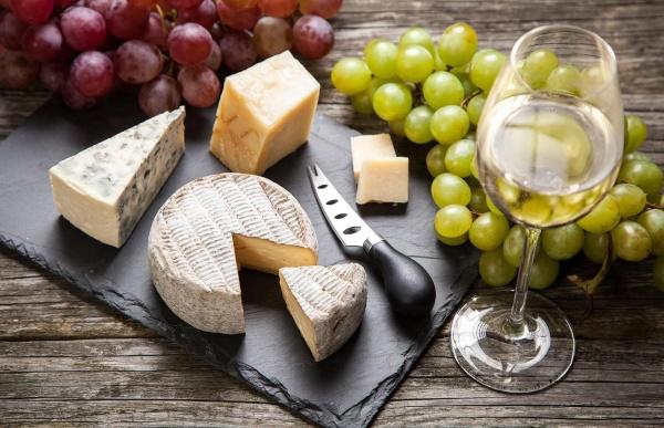 Claves y consejos para el maridaje de vinos y quesos